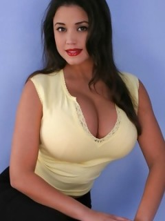Busty Latina Miriam Gonzalez Phone Sex