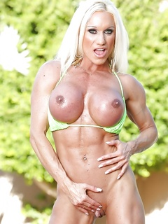 Bodybuilder Ashlee Chambers Strips