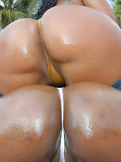 Hot And Horny Ebony Babes