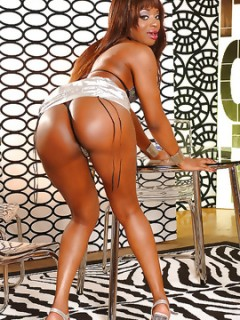 Jasmine Hot Ebony Babe Show Us Her Amazing Body