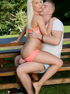 Candee Licious Public Sex In Park