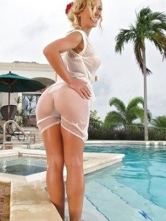 Cherie DeVille Enjoy In Wet Clothes By The Pool