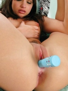 Louisa Lanewood Enjoy With Vibrator In Her Pussy