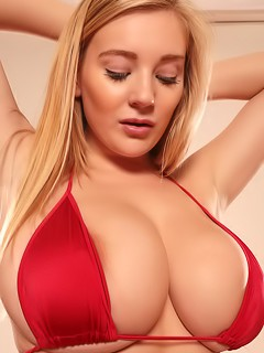 Beth Lily - American Boobs